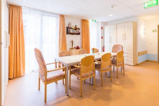 Aufenthalts- und Besucherbereich im Seniorenhaus Dr. Pieke